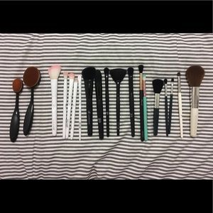 Face and Eye Makeup Brushes (Various Brands)